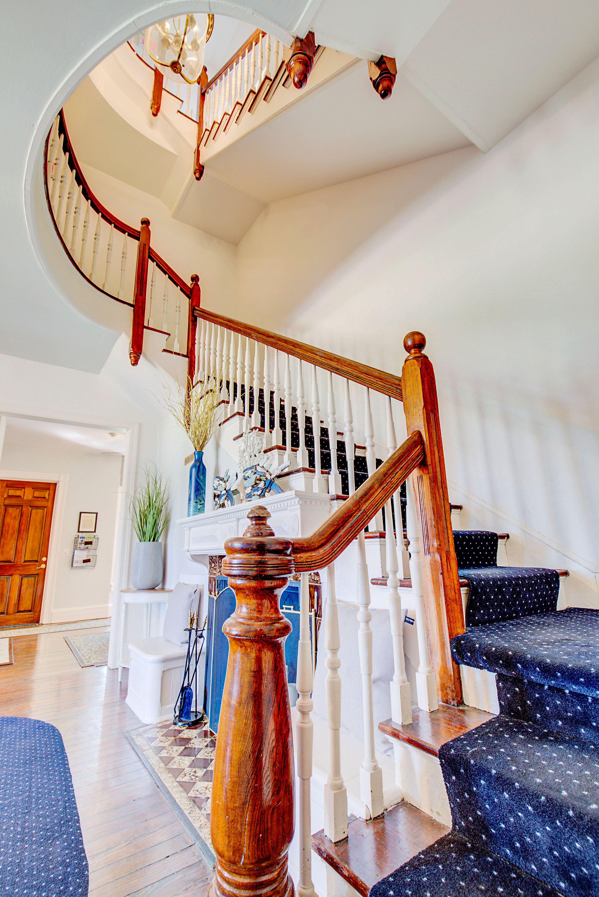 Spiral Staircase to second floor
